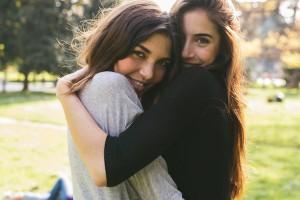 elitedaily-simone-becchetti-friends